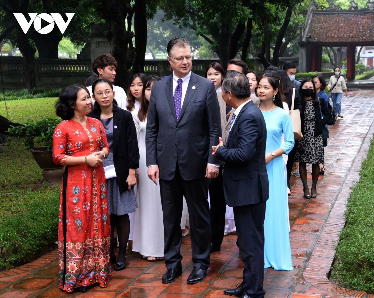 The US ambassador shares that the Temple of Literature is one of his favourite places in Hanoi and he is greatly impressed with its peaceful beauty coupled with the historical architectural style on show.