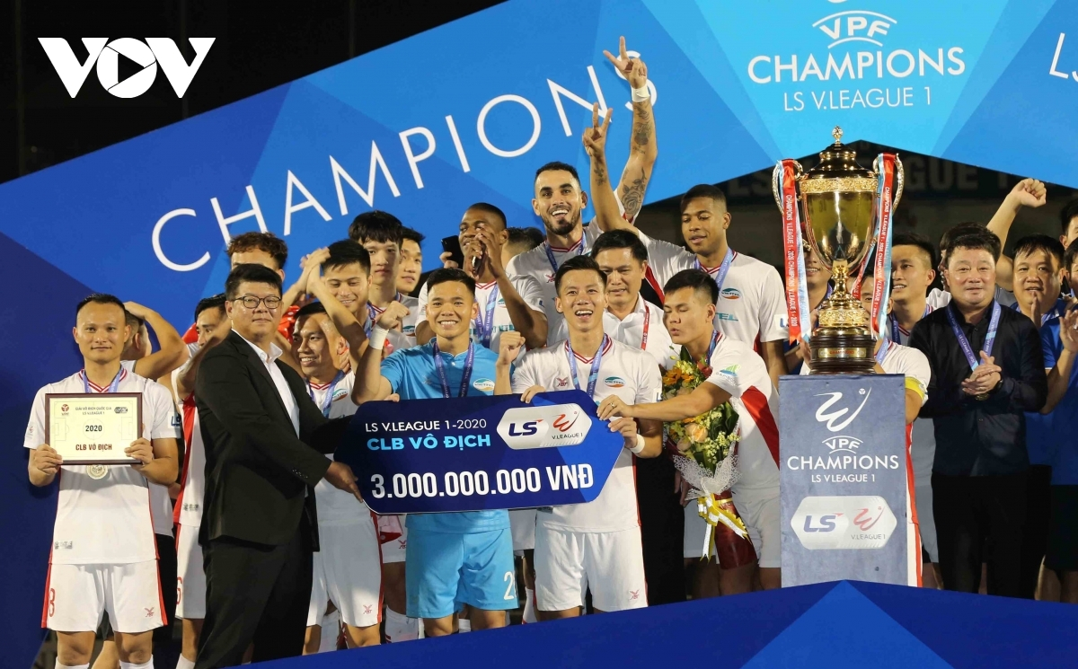 Viettel FC are crowned V.League 1 champions for the first time, scoring 41 points, two points higher than the second-placed Hanoi FC.