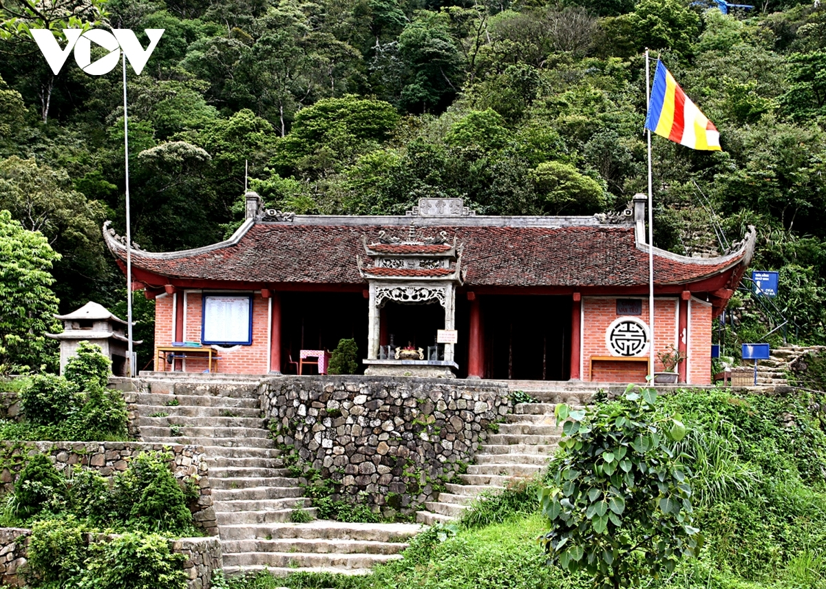 Tourists should not miss out on visiting the ancient Van Tieu pagoda.