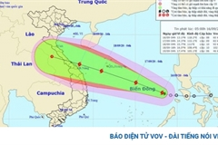 Tropical storm gains strength, heads toward Vietnam
