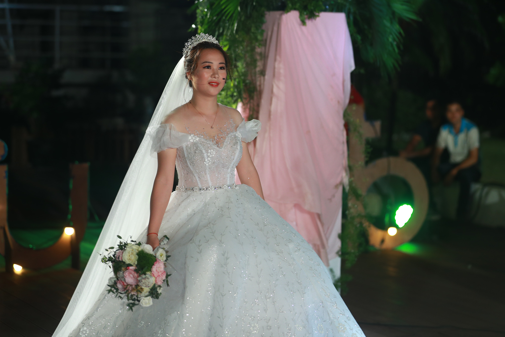 Điều ước thứ 7: Đám cưới đặc biệt của người chiến sĩ giữa mùa dịch COVID-19 - Ảnh 11.