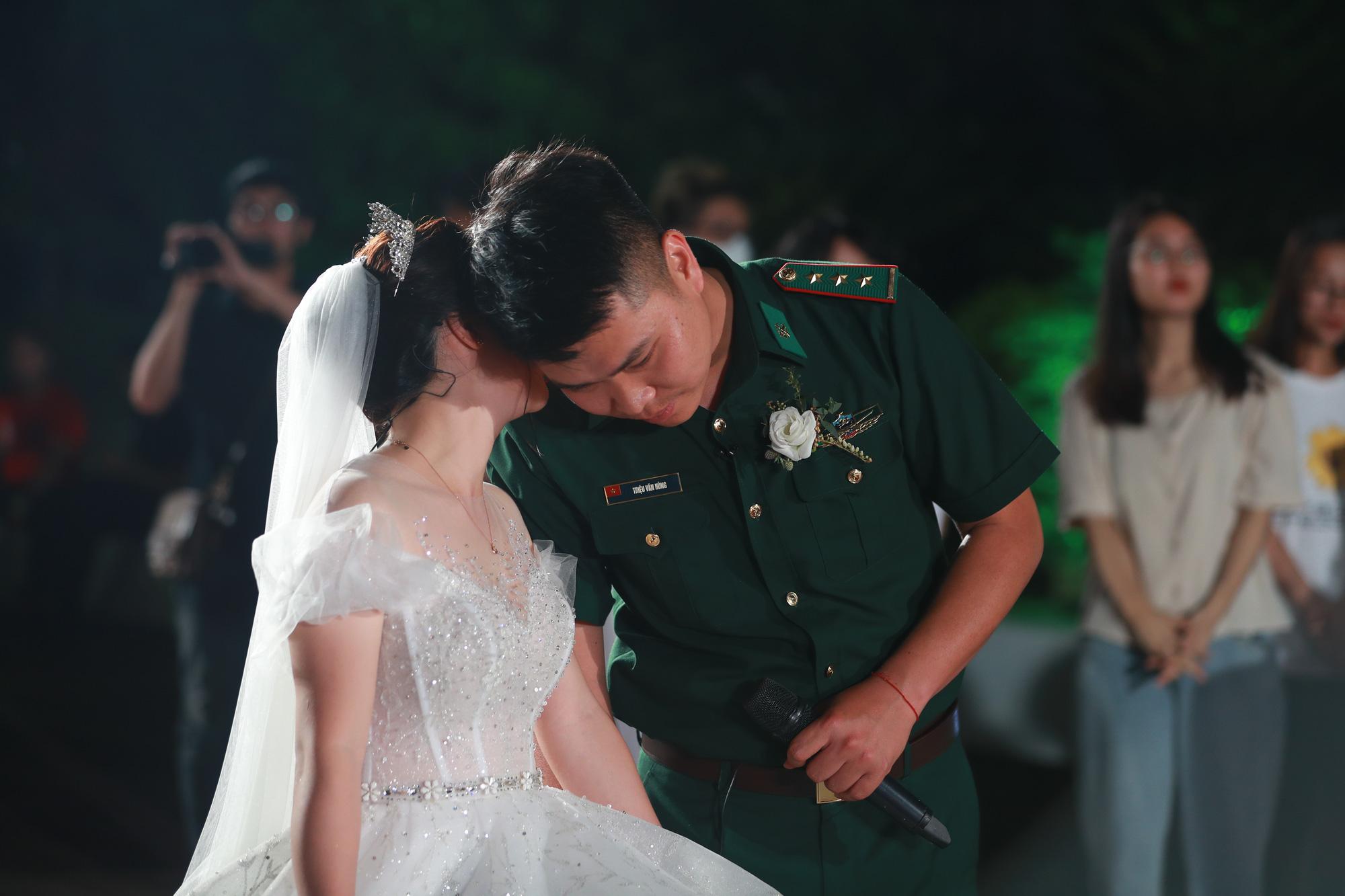 Điều ước thứ 7: Đám cưới đặc biệt của người chiến sĩ giữa mùa dịch COVID-19 - Ảnh 6.