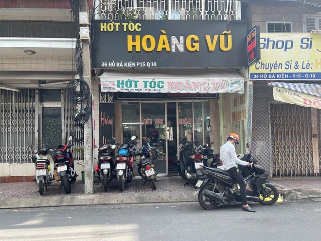 Tiệm sửa xe ở TP Hồ Chí Minh bỏ túi vài triệu đồng trong buổi sáng đầu tiên mở cửa - Ảnh 2.