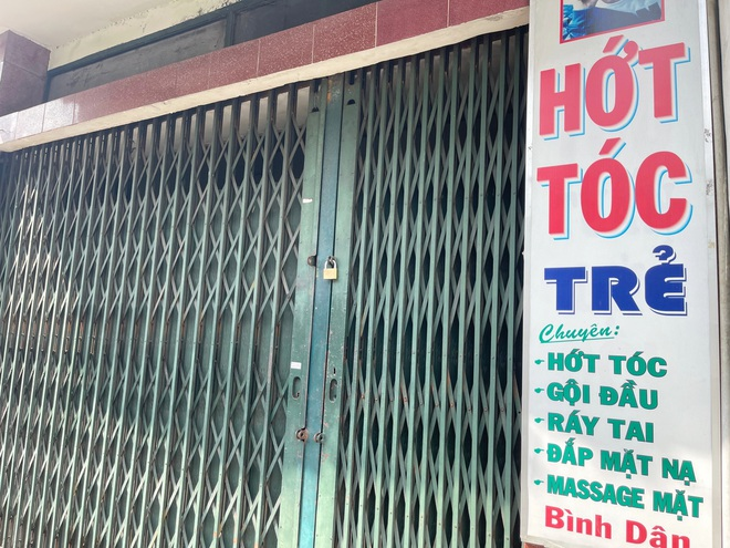 Tiệm sửa xe ở TP Hồ Chí Minh bỏ túi vài triệu đồng trong buổi sáng đầu tiên mở cửa - Ảnh 3.