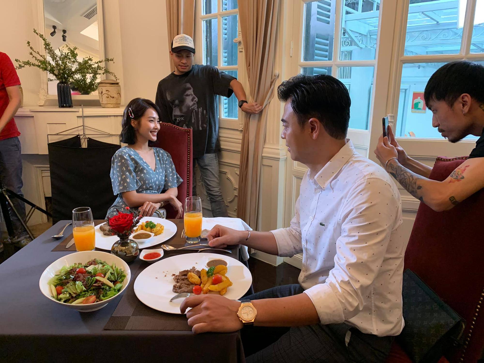 MC Tuấn Tú trở lại với phim mới, làm tình địch của Thanh Sơn? - Ảnh 3.