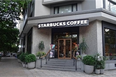 Starbucks, Coffee Bean, and Tea Leaf losing to Vietnamese chains
