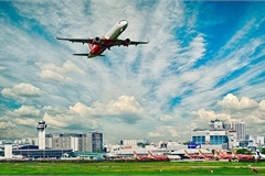Vietnamese aviation market under double pressure