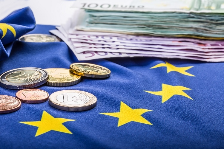 1496p 6 institutional tweaks to open up eu investment