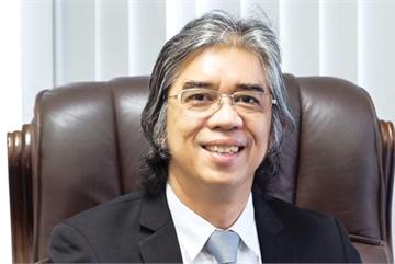 Singaporean business surges ahead