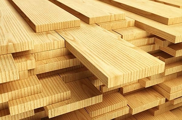 1507p18 local wood industry overshadowed by sourcing issues