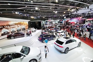 Automakers in race for sales to avail of temporary fee cut