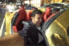 Thử xin đi nhờ siêu xe dát vàng ở London