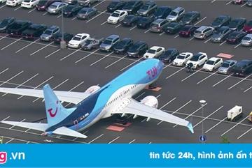 Boeing 737 tranh chỗ đỗ với ôtô
