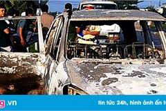 Xe Inova cháy rụi gần trạm BOT trên quốc lộ 1