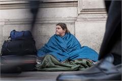 Gia đình trung lưu ở Anh bất ngờ thành vô gia cư