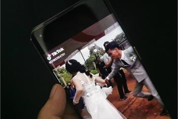 Vụ 'chú rể bế cô dâu' ở Bình Phước đã phơi bày điểm yếu của TikTok