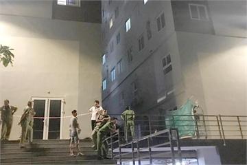 Bé trai rơi từ tầng 8 chung cư ở TP.HCM