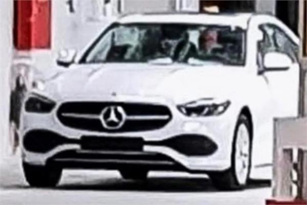 Mercedes-Benz C-Class 2022 lộ diện
