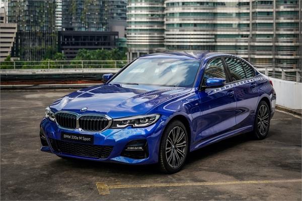 BMW 330e M Sport được ra mắt giá gần 65.000 USD