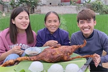 Gia đình Bà Tân Vlog - các YouTuber chuyên sản xuất video nhảm nhí