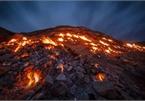 Sườn đồi tự bốc cháy là điểm dã ngoại ở Iran