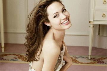 Angelina Jolie và sự vươn dậy mạnh mẽ sau 4 năm rời xa Brad Pitt