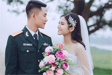 Chàng quân nhân cưới được crush hồi cấp ba sau 6 năm yêu xa