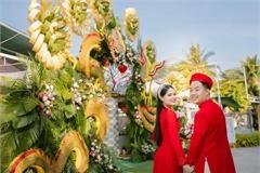 Cổng cưới rồng phượng khổng lồ ở Vĩnh Long