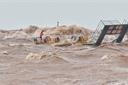 Tránh bão, 2 tàu bị chìm,  26 thuyền viên mất tích