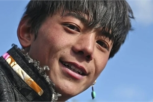 Sự thật đằng sau chàng trai chăn bò nổi tiếng trên Internet Trung Quốc