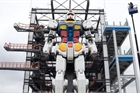 Xem Robot khổng lồ tự di chuyển, phô diễn kỹ năng