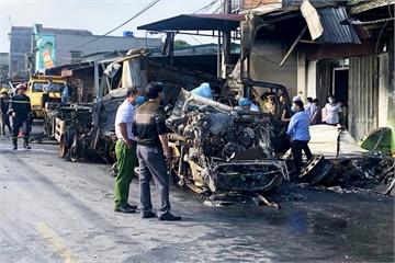 Container lao vào nhà dân rồi bốc cháy dữ dội, tài xế tử vong