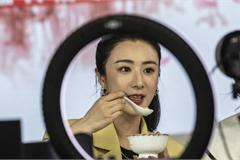 Chân dung 'nữ hoàng livestream' bán được tên lửa 5,6 triệu USD