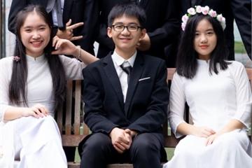 Cả lớp 23 học sinh đỗ trường chuyên ở Hà Nội