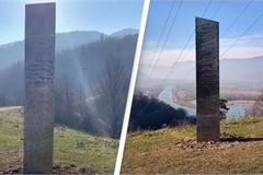Thêm khối đá bí ẩn xuất hiện tại Romania