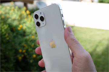 iPhone 12 gặp lỗi camera khi kiểm tra chất lượng