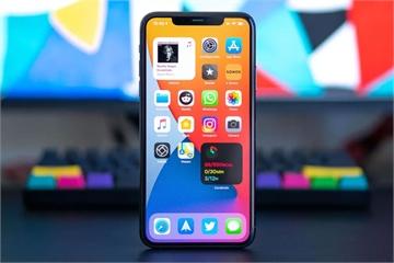 Người dùng phàn nàn iOS 14 gây nóng máy, hao pin