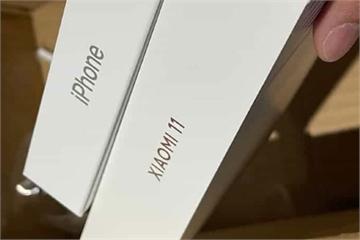 Mỉa mai iPhone 12, Xiaomi cũng bỏ củ sạc