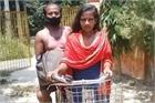Thiếu nữ Ấn Độ đổi đời sau khi đạp xe 1.200 km chở cha về nhà