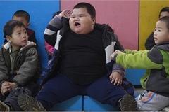Cậu bé Trung Quốc nặng 90kg khi mới 6 tuổi