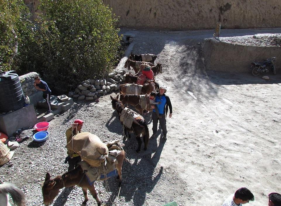 Su song khac nghiet noi tan cung day Himalaya hinh anh 13 26063050_8117091_image_a_70_1584435759003.jpg