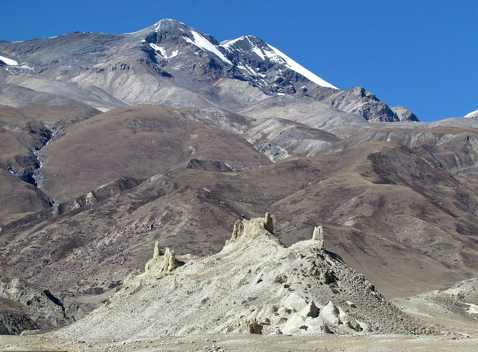 Su song khac nghiet noi tan cung day Himalaya hinh anh 9 26063058_8117091_image_a_69_1584435754216.jpg