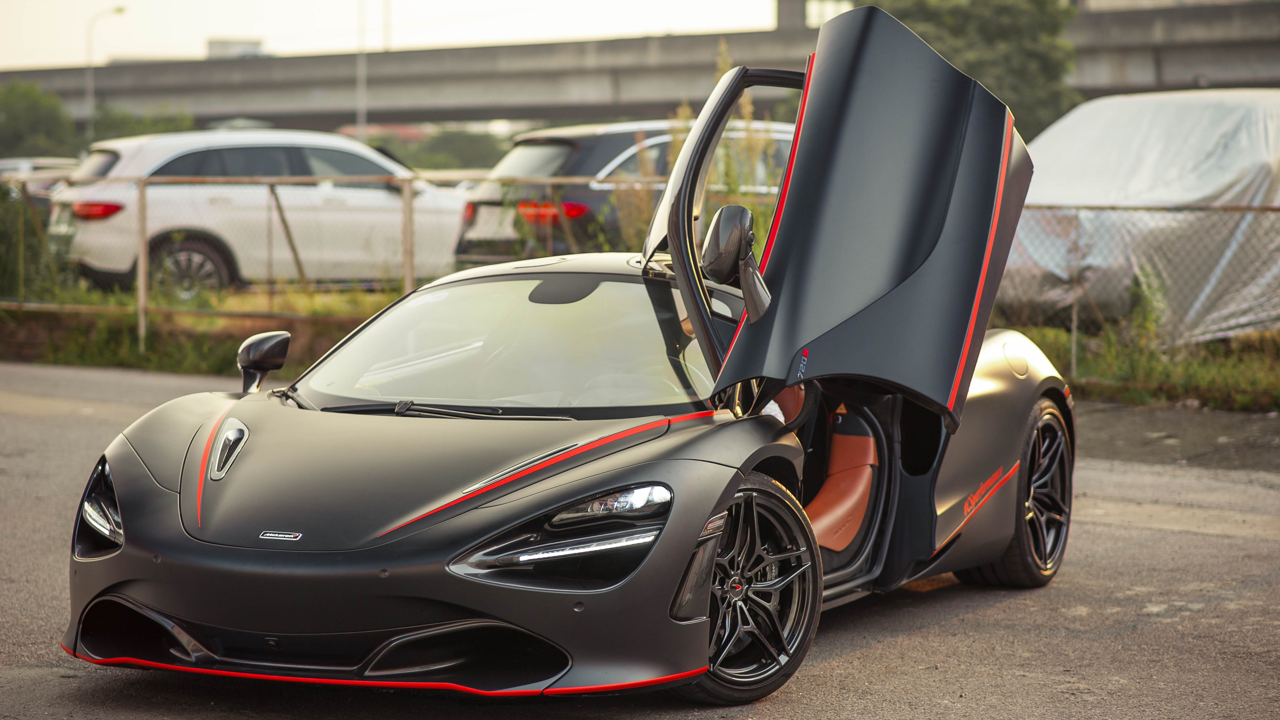 McLaren 720S dau tien ve VN rao 11 ty, ha nua gia sau 2 nam lan banh hinh anh 1