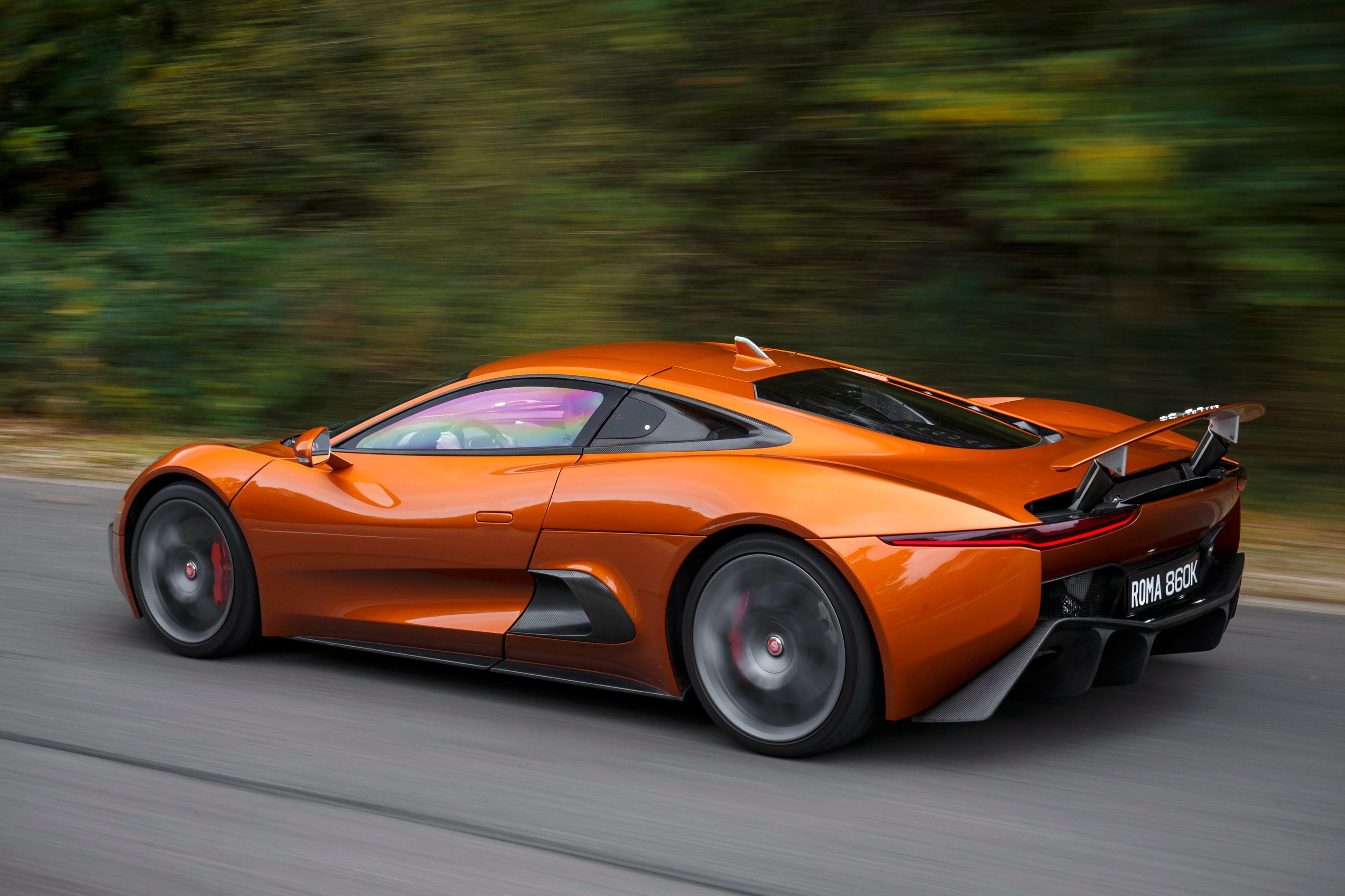 Sieu xe Jaguar C-X75 trong phim James Bond gia 1,2 trieu USD hinh anh 10