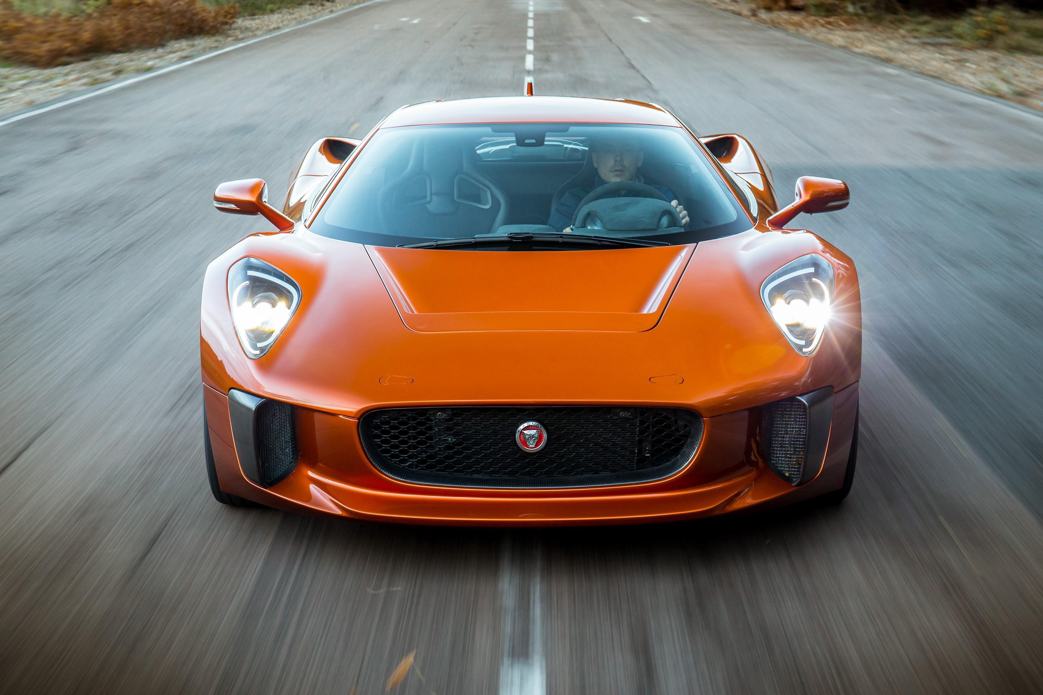 Sieu xe Jaguar C-X75 trong phim James Bond gia 1,2 trieu USD hinh anh 11