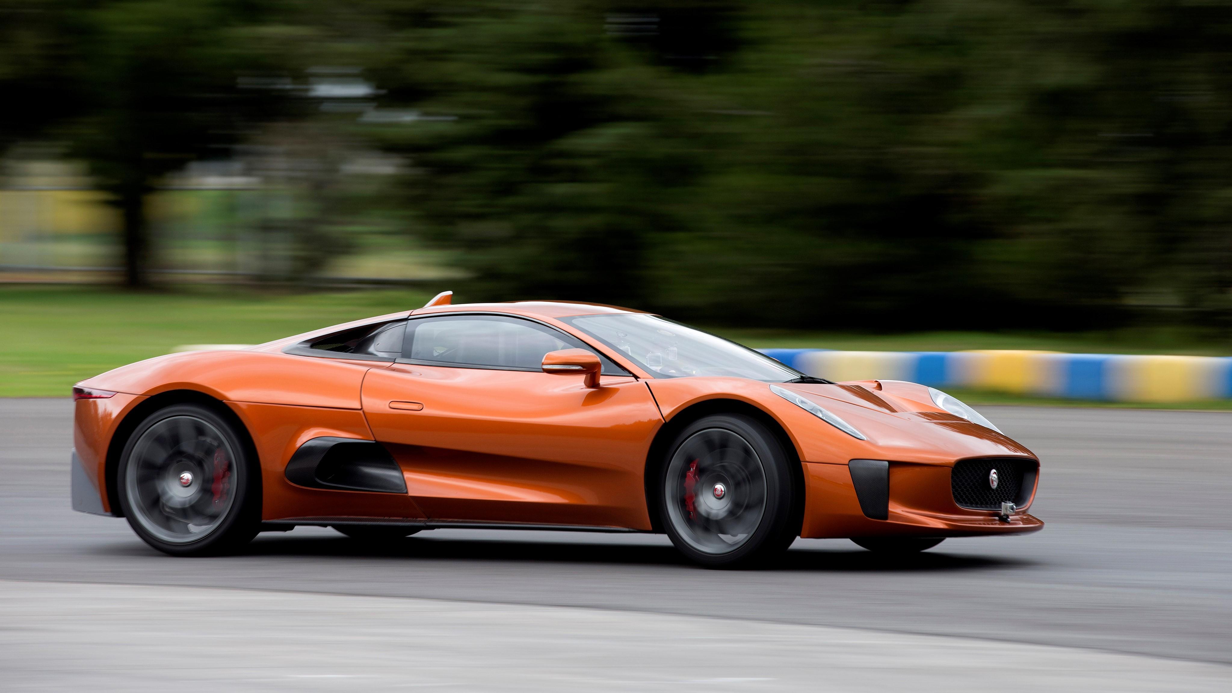 Sieu xe Jaguar C-X75 trong phim James Bond gia 1,2 trieu USD hinh anh 32
