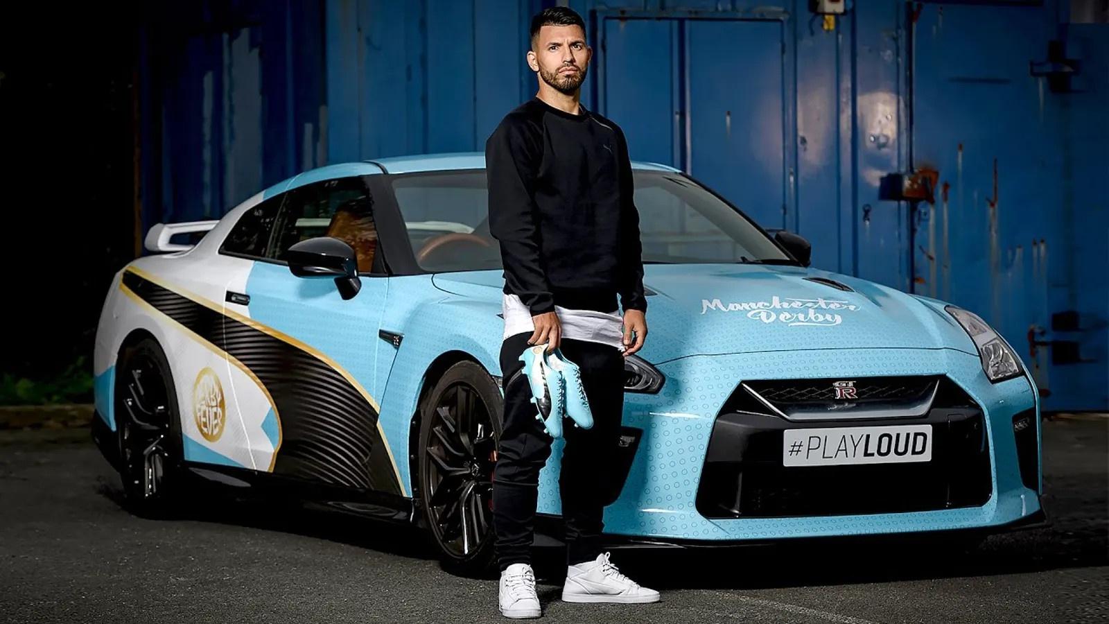 Cau thu Manchester City di xe gi anh 1