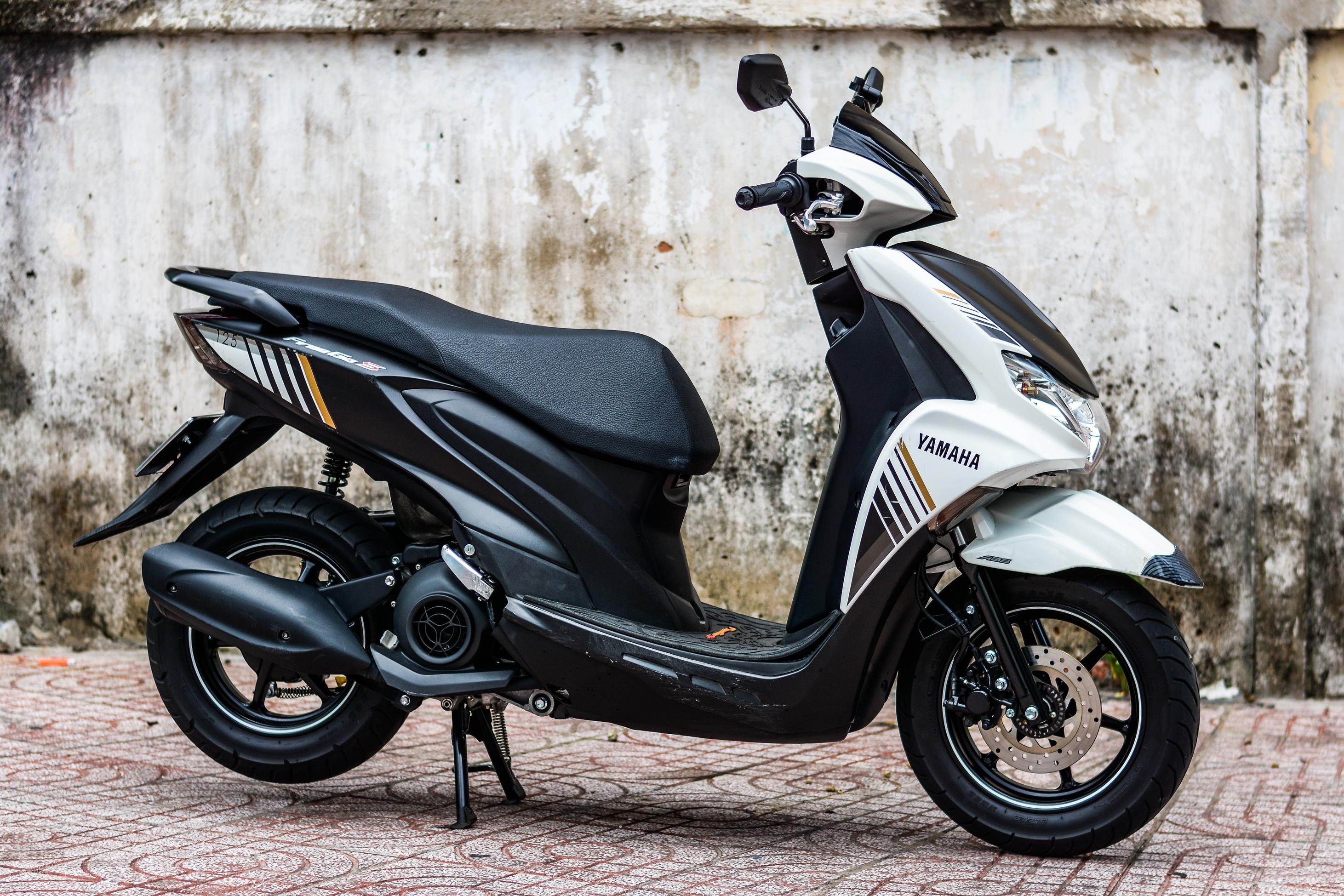So sanh Honda Air Blade 150 va Yamaha FreeGo S anh 1