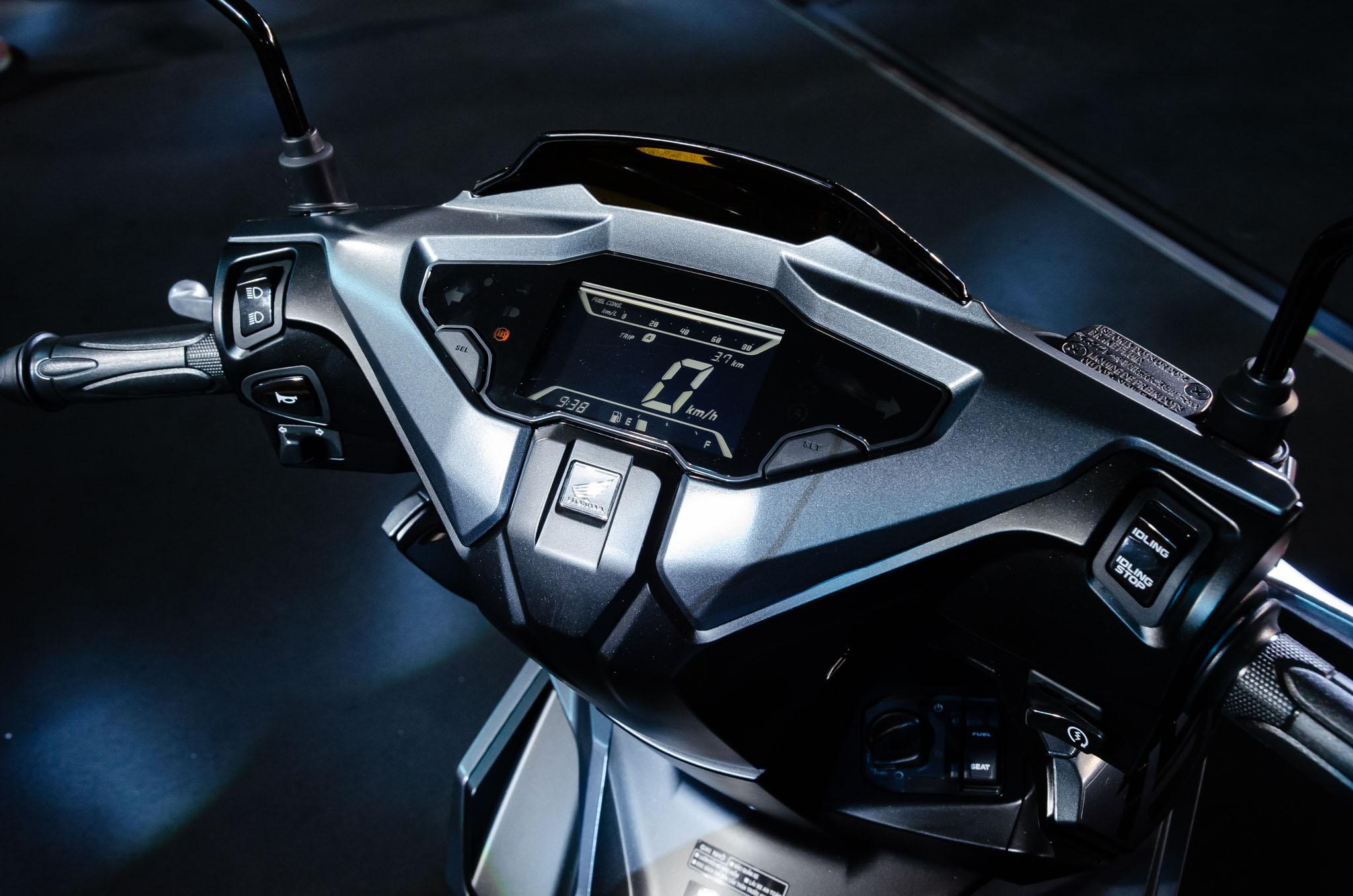 So sanh Honda Air Blade 150 va Yamaha FreeGo S anh 8
