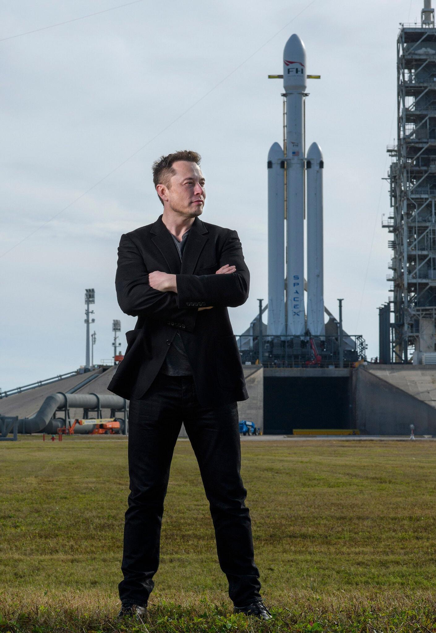 vi sao Elon Musk chua di du lich vu tru anh 4
